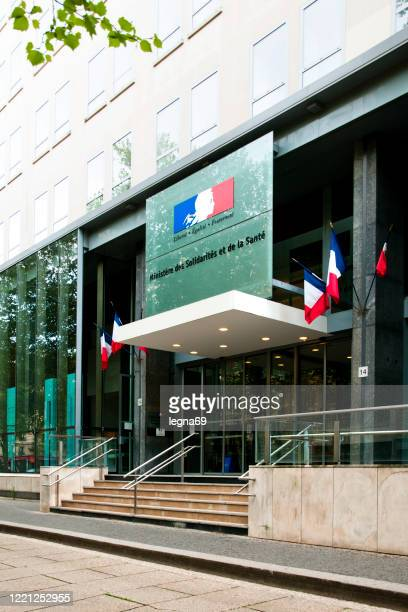 paris : ministry of health and empty street during pandemic covid 19 in europe. - government minister stock pictures, royalty-free photos & images