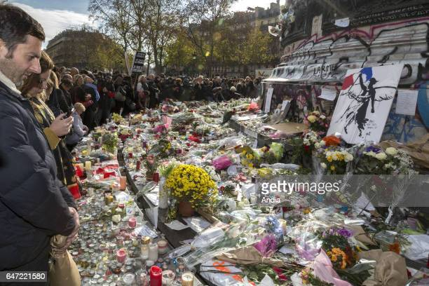minute of silence in the square place de la Republique after the terror attacks of November 13 2015 Messages to support the families and close...