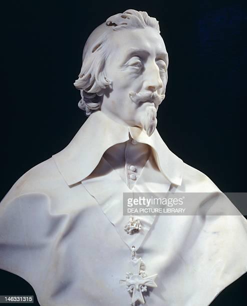Paris Musée Du Louvre Cardinal Richelieu by Gian Lorenzo Bernini marble bust 34 cm height
