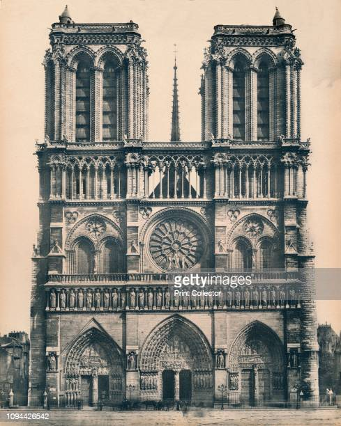 Paris NotreDame LL circa 1910 Medieval Catholic cathedral on the Ile de la Cité in the fourth arrondissement of Paris considered one of the finest...