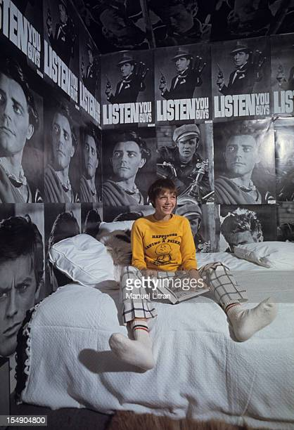 Paris November 1967 Venue of the United States fashion posters arrived in France Haydee POLITOFF star of the film 'The Collector' is one of the first...