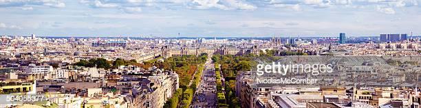 Vue panoramique sur la ville de Paris à la recherche de l'Est