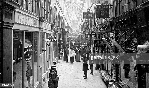 Paris Passage Choiseul around 1910