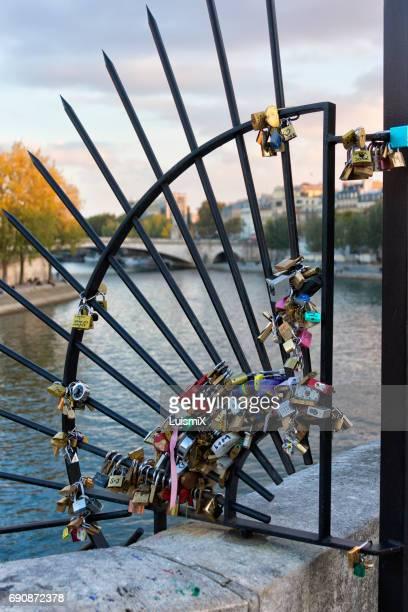 paris - x art stock-fotos und bilder