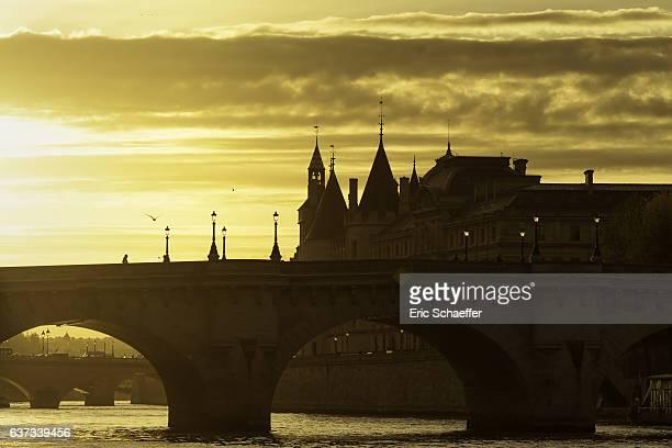 Paris, Pont Neuf in sunrise
