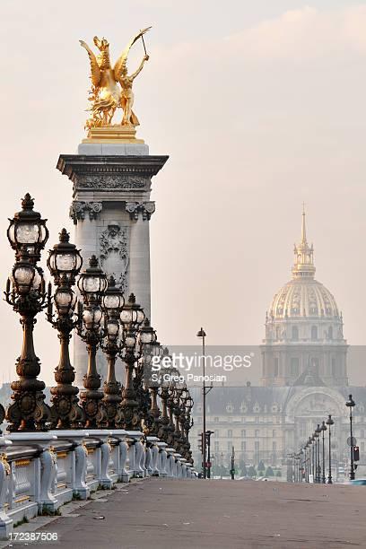 carte postale de paris - pont alexandre iii photos et images de collection