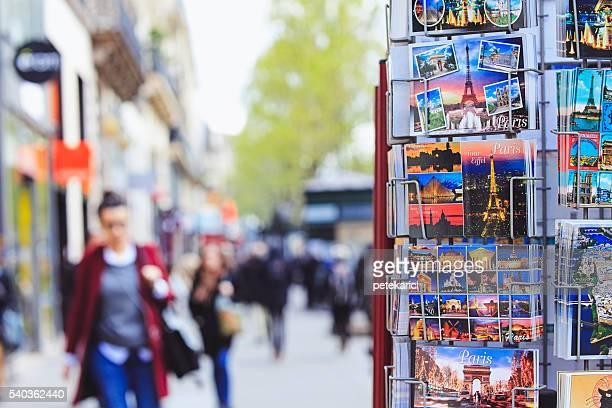 Paris Postkarten verkaufen in einer street-Geschenke-shop