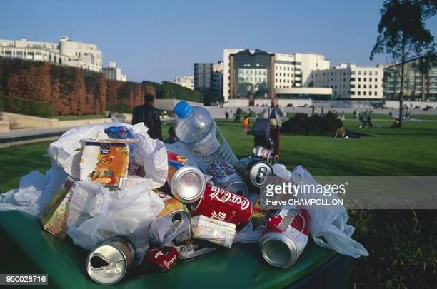 poubelle et ordures au parc André Citroën
