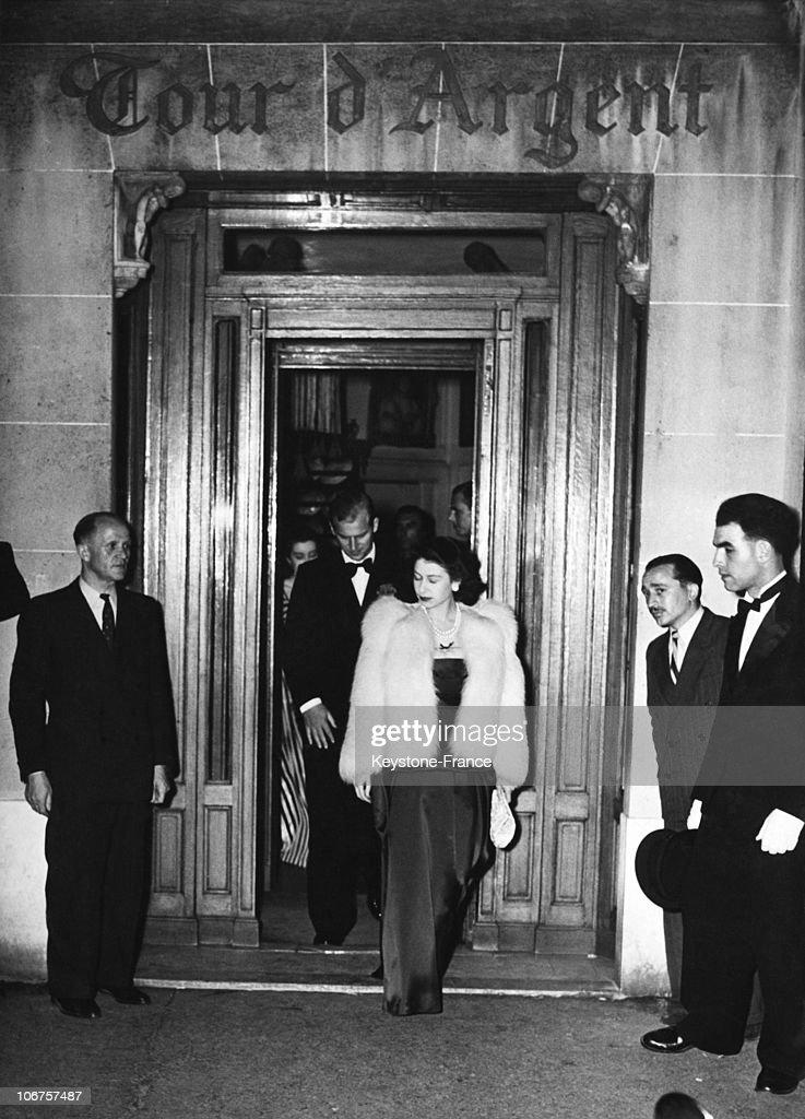 Paris, Princess Elizabeth Leaving The Restaurant La Tour D Argent In 1948 : News Photo