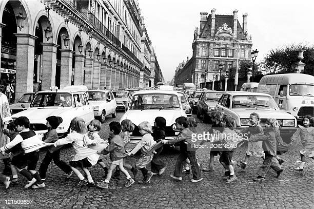 Paris Pupils Crossing Rue De Rivoli In 1978