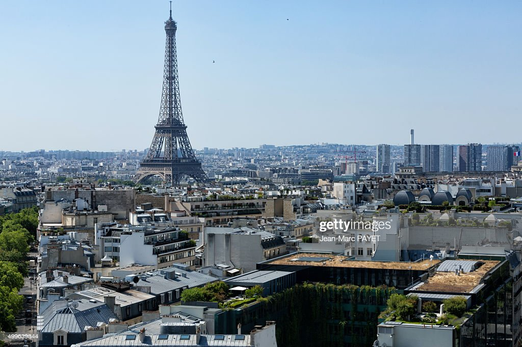 Paris rooftops and Eiffel Tower : Photo
