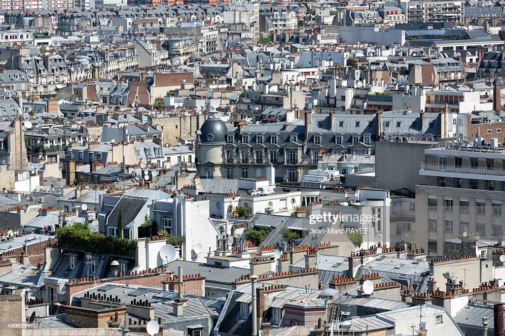 Paris rooftops, cityscape of Paris, France : Photo