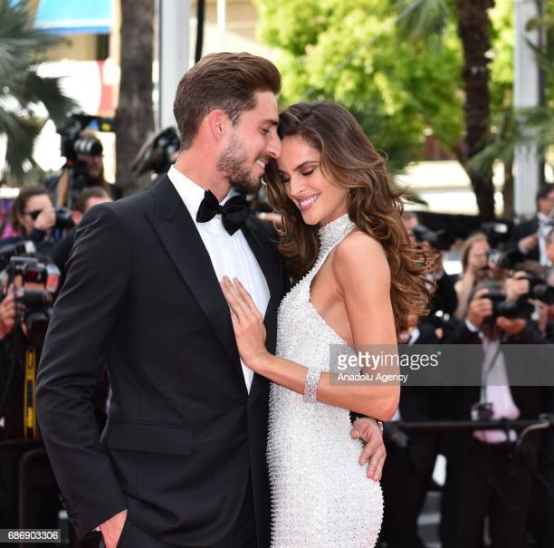 Paris Saint Germain's goalkeeper Kevin Trapp and Brazilian model Izabel Goulart arrive for the premiere of the film 'The Killing of a Sacred Deer' in...