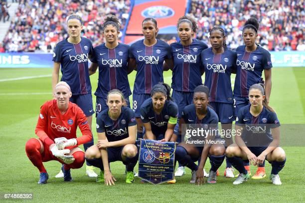 Paris SaintGermain players pose before the Women's Champions League match between Paris Saint Germain and Barcelona at Parc des Princes on April 29...