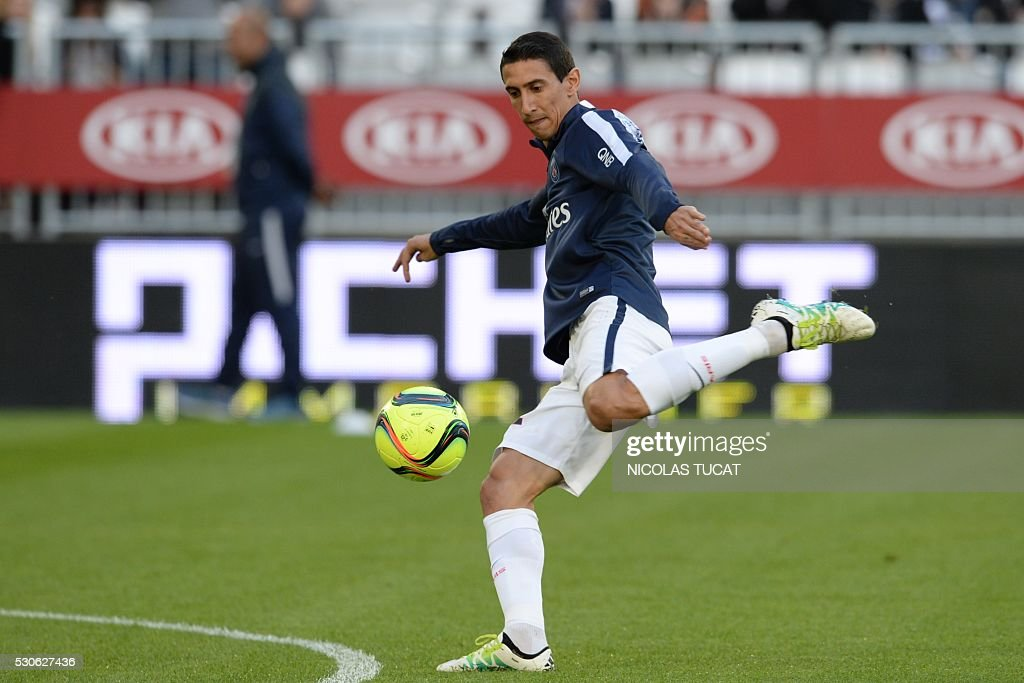 Paris Saint-Germain's Argentinian forward Angel Di Maria practices during a training session ahead of the French L1 football match between Bordeaux and Paris (PSG) on May 11, 2016 at the Matmut Atlantique stadium in Bordeaux, southwestern France.