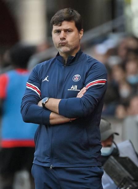 Paris Saint-Germain's Argentinian head coach Mauricio Pochettino reacts during the French L1 football match between Stade Rennais and Paris...