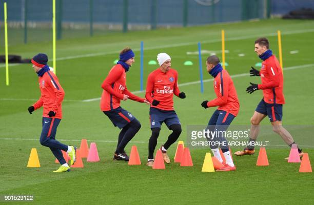 Paris SaintGermain's Argentinian midfielder Giovanni Lo Celso Paris SaintGermain's French midfielder Adrien Rabiot Paris SaintGermain's Argentinian...