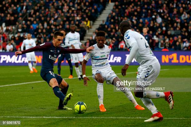 Paris SaintGermain's Argentinian midfielder Giovanni Lo Celso vies with Strasbourg's Cape Verdian forward Nuno Da Costa during the French Ligue 1...