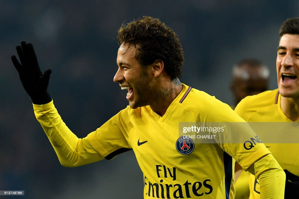 Paris Saint-Germain's Brazilian forward Neymar celebrates after scoring a goal during French L1 football match between Lille Losc and Paris Saint-Germain (PSG), at the Pierre-Mauroy stadium, in Villeneuve-d'Ascq, on February 3, 2018. /