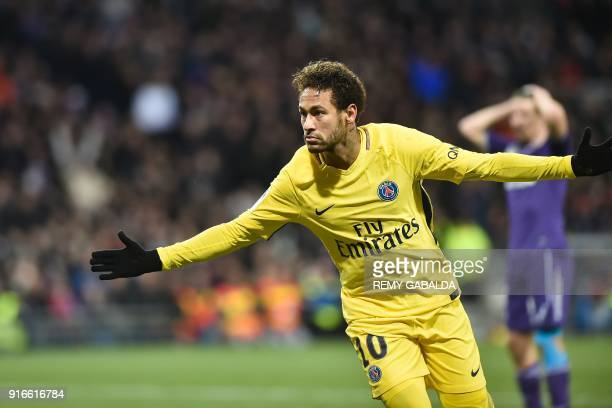 Paris SaintGermain's Brazilian forward Neymar Jr celebrates opening the scoring during the French L1 football match between Toulouse and Paris...