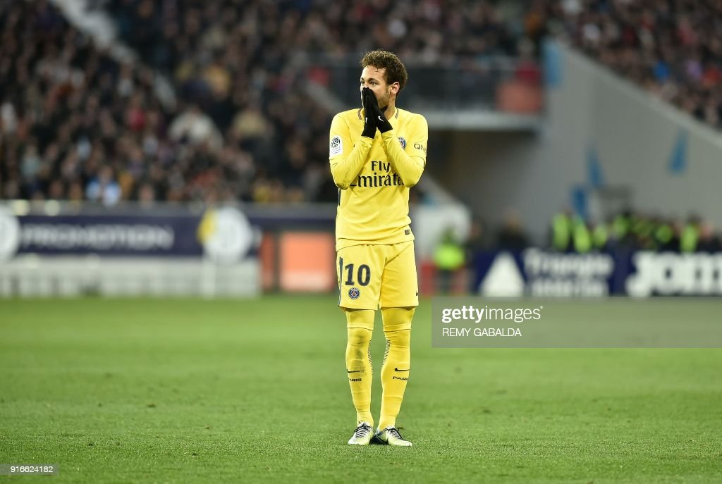 Paris Saint-Germain's Brazilian forward Neymar Jr reacts during the French L1 football match between Toulouse (TFC) and Paris Saint-Germain (PSG) on February 10, 2018 at the Municipal stadium in Toulouse. /