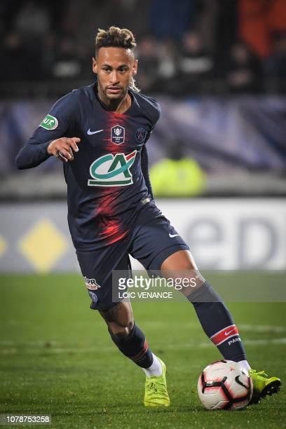Paris SaintGermain's Brazilian forward Neymar Jr runs with the ball during the French Cup last64 football match GSI Pontivy against Paris Saint...