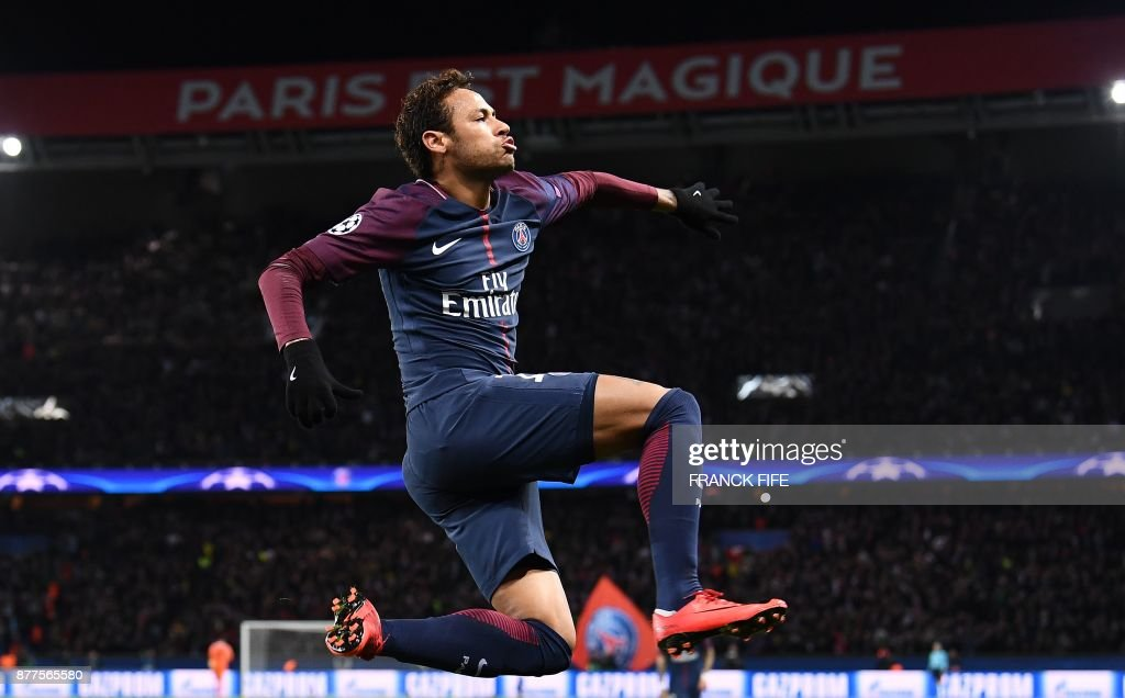 TOPSHOT-FBL-EUR-C1-PSG-CELTIC : News Photo