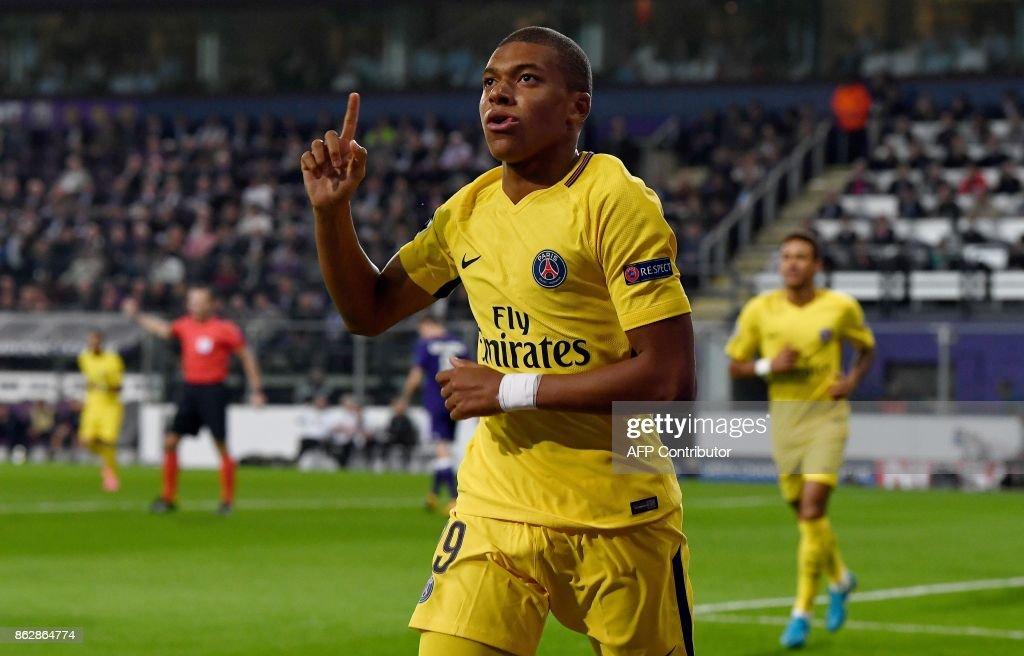 RSC Anderlecht v Paris Saint-Germain - UEFA Champions League