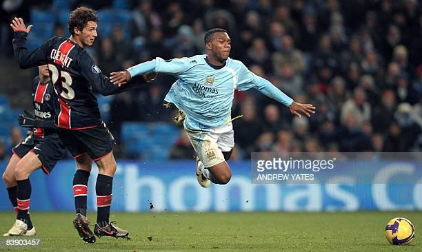Paris Saint-Germain's French midfielder Jérémy Clément Manchester City's English forward Daniel Sturridge during their UEFA Cup group A football...