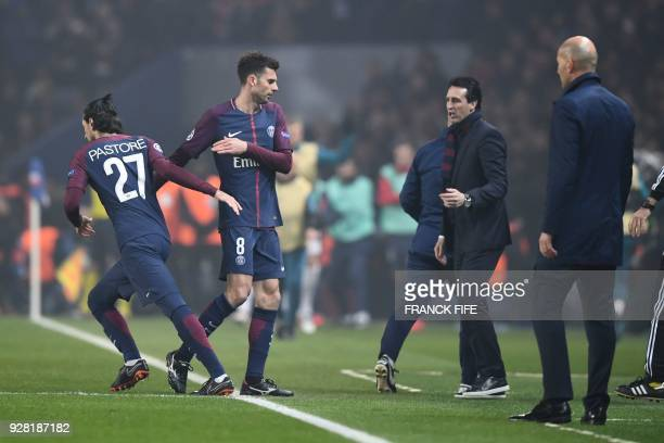Paris SaintGermain's Italian midfielder Thiago Motta is replaced by Paris SaintGermain's Argentinian midfielder Javier Pastore during the UEFA...