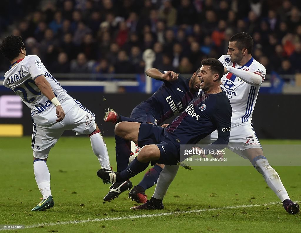 Olympique Lyonnais v Paris Saint-Germain - Ligue 1