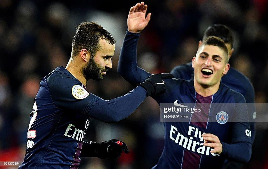 Paris Saint-Germain's Spain's forward Rodriguez Jese (L) celebrates after scoring a goal during the French L1 football match between Paris Saint-Germain and Nantes at the Parc des Princes stadium in Paris on November 19, 2016. / AFP / FRANCK