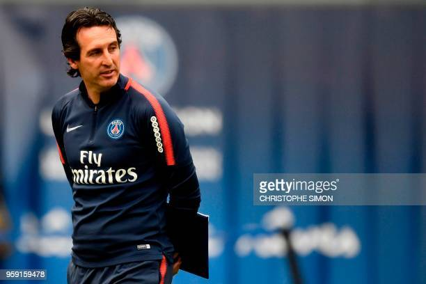 Paris SaintGermain's Spanish headcoach Unai Emery attends a training session in Paris at the Parc des Princes on May 16 2018