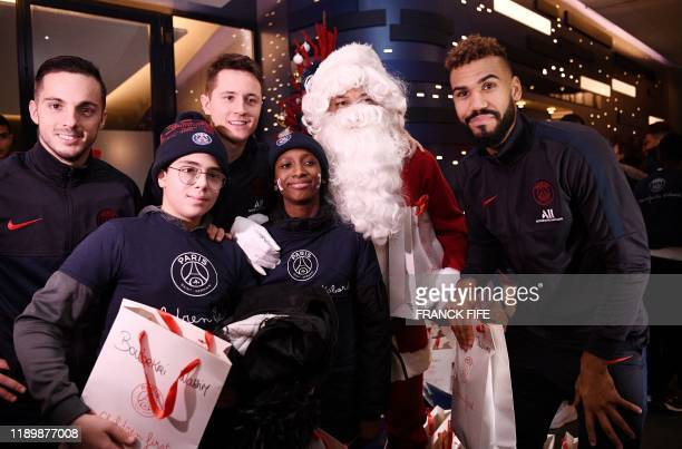 Paris Saint-Germain's Spanish midfielder Pablo Sarabia , Paris Saint-Germain's Spanish midfielder Ander Herrera , Paris Saint-Germain's French...
