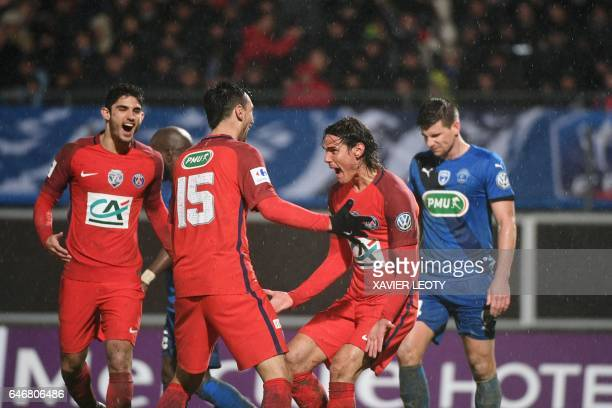 Paris SaintGermain's Uruguayan forward Edinson Cavani celebrates after scoring a goal with his teammates Paris SaintGermain's Argentinian forward...