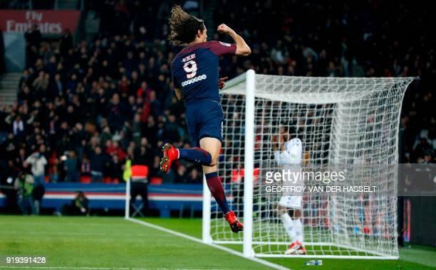 TOPSHOT Paris SaintGermain's Uruguayan forward Edinson Cavani celebrates after scoring during the French Ligue 1 football match between Paris...