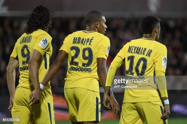 TOPSHOT Paris SaintGermain's Uruguayan forward Edinson Cavani Paris SaintGermain's French forward Kylian Mbappe and Paris SaintGermain's Brazilian...
