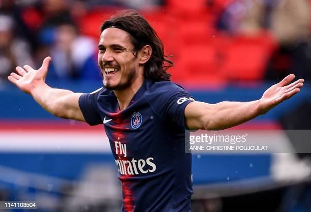 Paris SaintGermain's Uruguayan forward Edinson Cavani reacts during the French L1 football match between Paris SaintGermain and OGC Nice at the Parc...