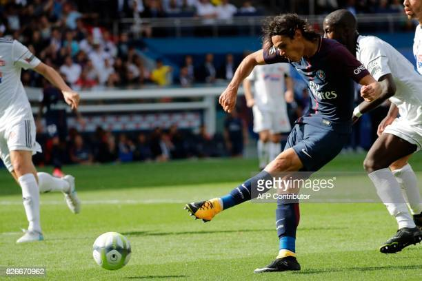 Paris SaintGermain's Uruguayan forward Edinson Cavani scores a goal during the French L1 football match between Paris SaintGermain and Amiens SC on...