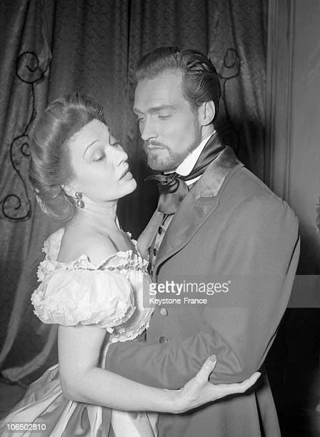 Paris Sarah Bernarht Theatre Edwige Feuillere And Jacques Berthier Acting In The Lady Of The Camellias In 1940