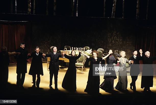 Paris, September 29 Representation of the play 'The Seagull' in Tchekkov, staged by Otomar Krejca, salute the comedians at the end of show .