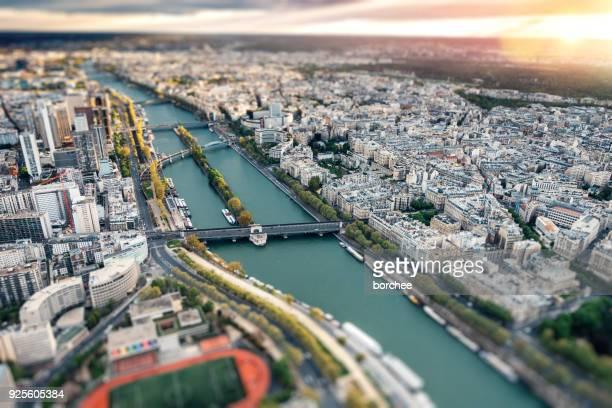 paris skyline avec rivière seine - ile de france photos et images de collection