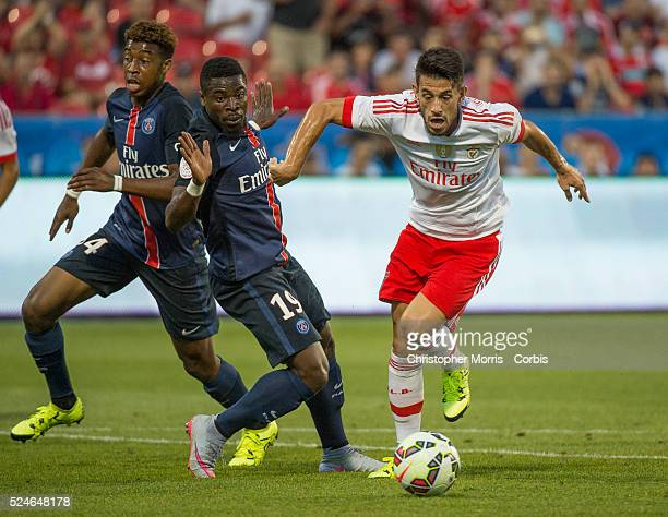 Paris St Germain's Serge Aurier and SL Benfica's Pizzi in the International Champions Cup in Toronto
