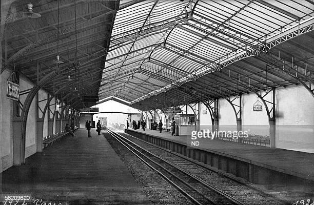 Paris . Station Glaciere, about 1900.