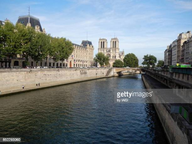 Paris, the Seine river and quaysides, in the background, Notre-Dame de Paris cathedral
