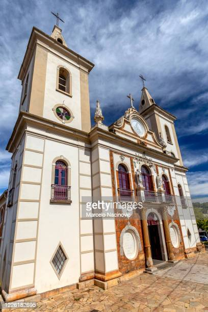 parish church of n. s. de montserrat in baependi (1754) - marcelo nacinovic stock pictures, royalty-free photos & images