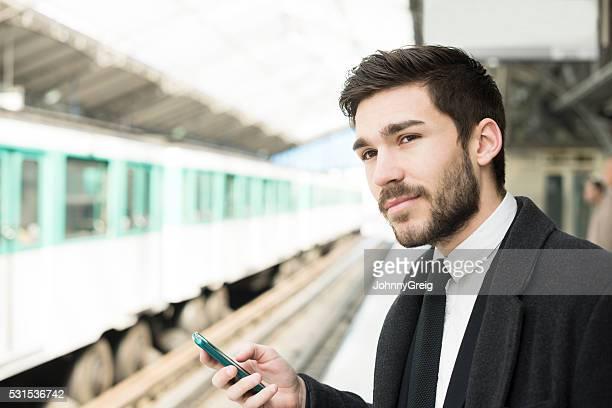 Utilisation des transports en commun parisiens, Application smartphone de métro à Paris
