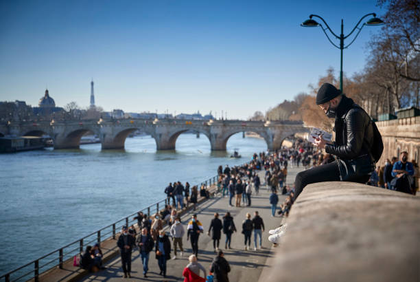 FRA: Parisians Enjoy Springlike Weather As City Considers New Lockdown
