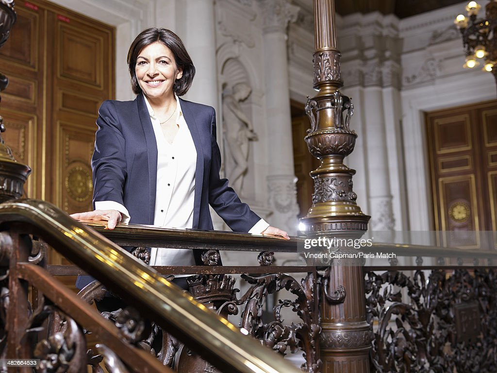 Anne Hidalgo, Paris Match Issue 3385, April 9, 2014