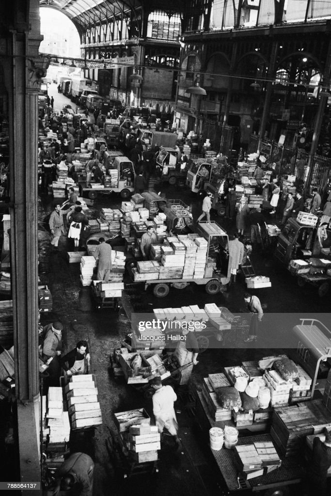 Paris's Les Halles neighborhood, in the 1st arrondissement, was active until the start of the 1970s. This vast market in the heart of the capital has since been replaced by a park.